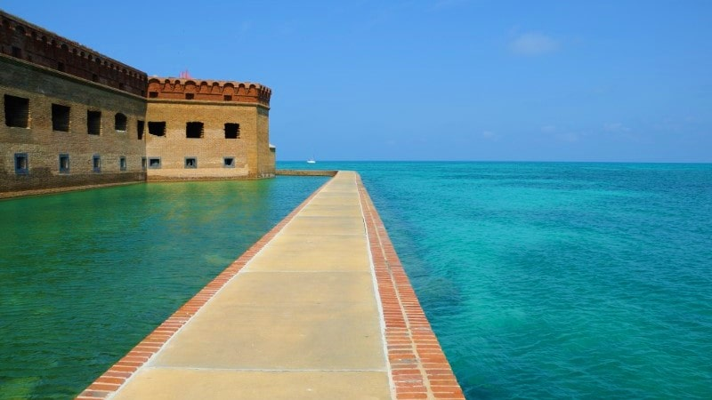 rent yacht to Dry Tortugas Florida