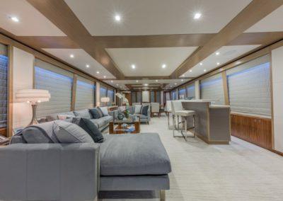 100 Hargrave yacht salon and bar