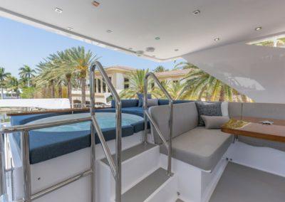 100 Hargrave yacht jacuzzi