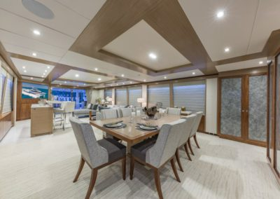 100 Hargrave yacht dining