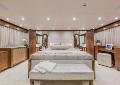 100 Hargrave yacht VIP stateroom