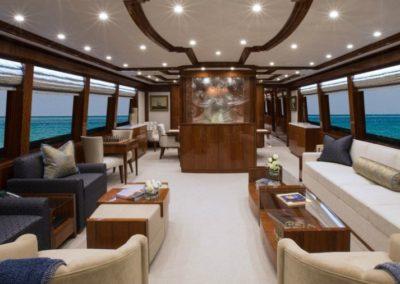 116 Hargrave yacht salon aft