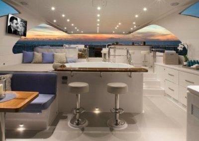 116 Hargrave yacht flybridge lounge