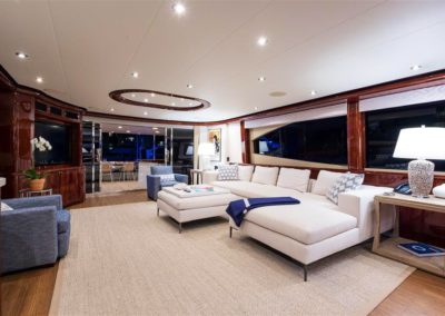 116' Lazzara yacht salon