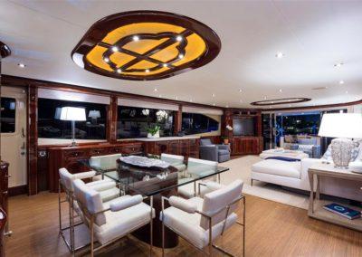 116' Lazzara yacht dining