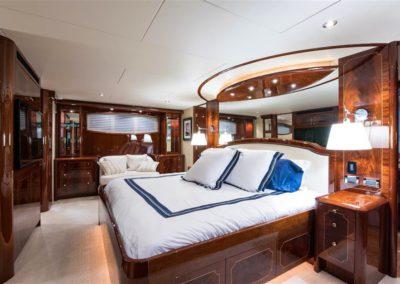 116' Lazzara yacht master suite