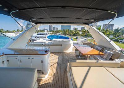 100 Azimut yacht flybridge