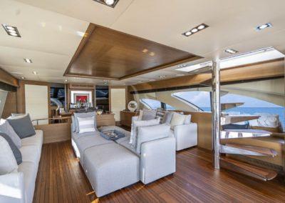 100 Azimut yacht salon