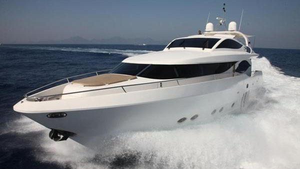90' Eagle motor yacht
