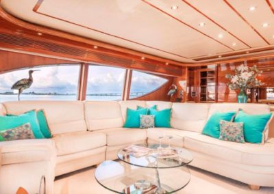 94 Ferretti yacht salon