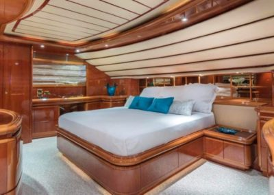 94 Ferretti yacht master stateroom