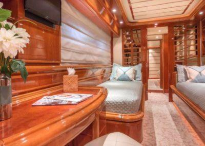 94 Ferretti yacht cabin