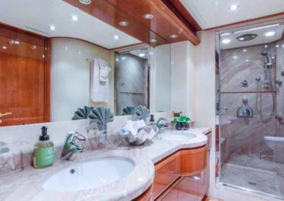 94 Ferretti yacht master bathroom