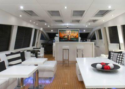 101 Leopard yacht salon dining