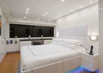 101 Leopard yacht VIP stateroom