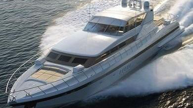 105 Mangusta luxury yacht