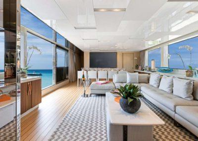 106 San Lorenzo yacht main salon