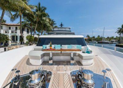 106 San Lorenzo yacht bow sunpads