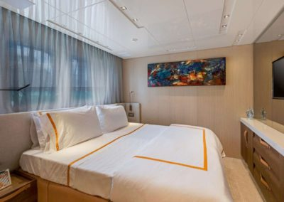 106 San Lorenzo yacht guest stateroom