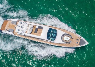 120' Tecnomar yacht cruising