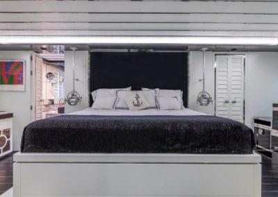120' Tecnomar yacht master suite