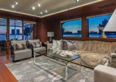 107 Vicem yacht main salon