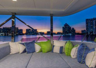 107 Vicem yacht flybridge sunpads