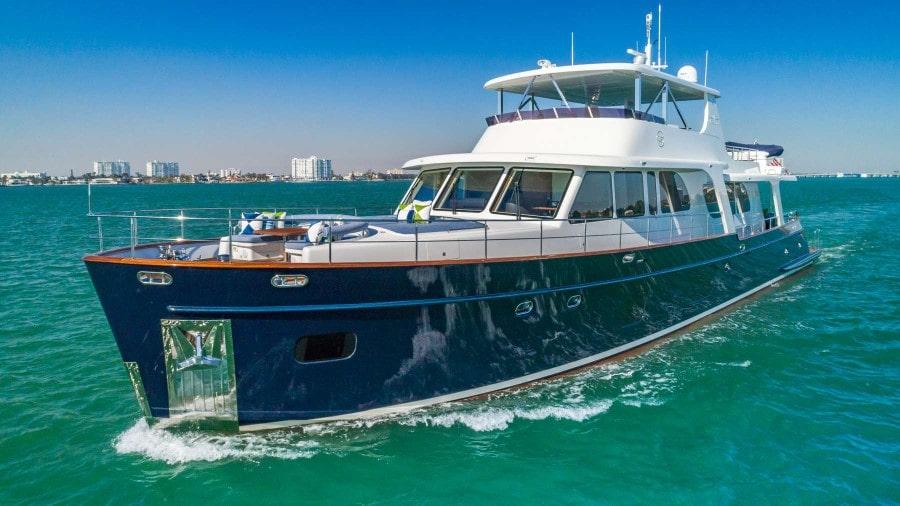 107 Vicem charter yacht