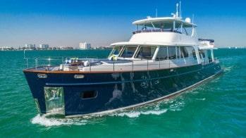 107' Vicem luxury yacht