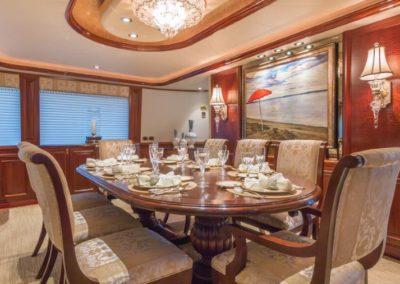 112 Westport yacht dining