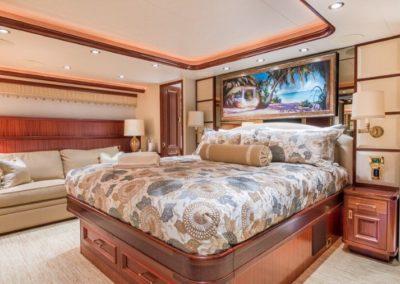 112 Westport yacht VIP stateroom