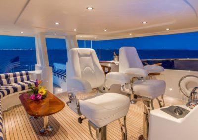 112 Westport yacht flybridge