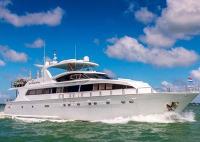 102 Azimut Miami charter yacht