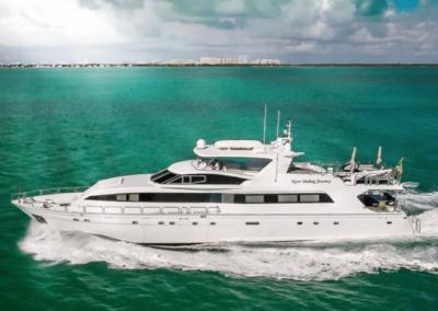 102 Azimut Miami luxury yacht