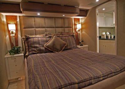 102 Azimut yacht VIP stateroom and bathroom