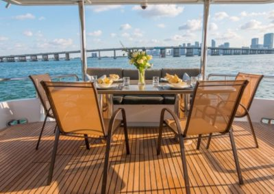 102 Azimut yacht aft deck dining