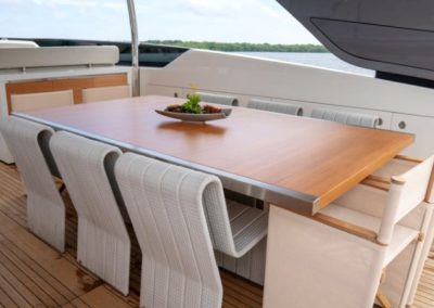 105 San Lorenzo luxury yacht flybridge dining table