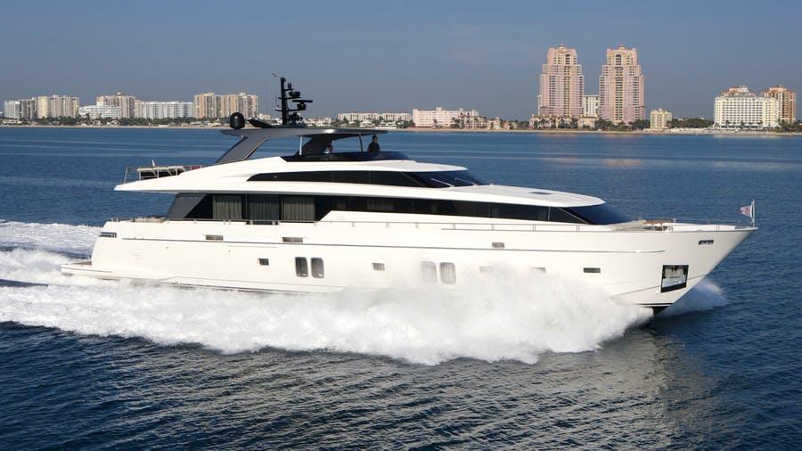 105 San Lorenzo luxury charter yacht