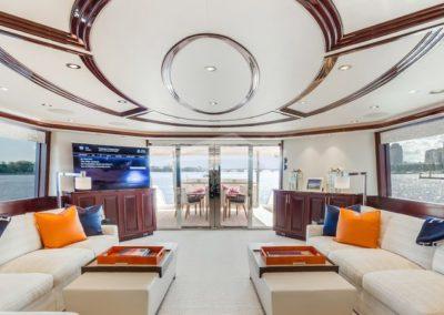 112 Westport yacht salon