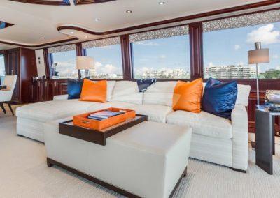 112 Westport yacht coffe lounge