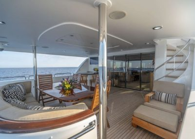 115 Westport yacht aft deck casual dining
