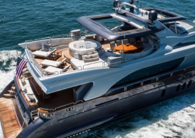 116 Azimut luxury yacht cruising in Miami