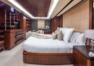 116 Azimut yacht master stateroom