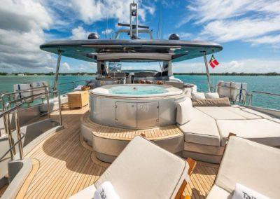 116 Azimut yacht flybridge sunpads