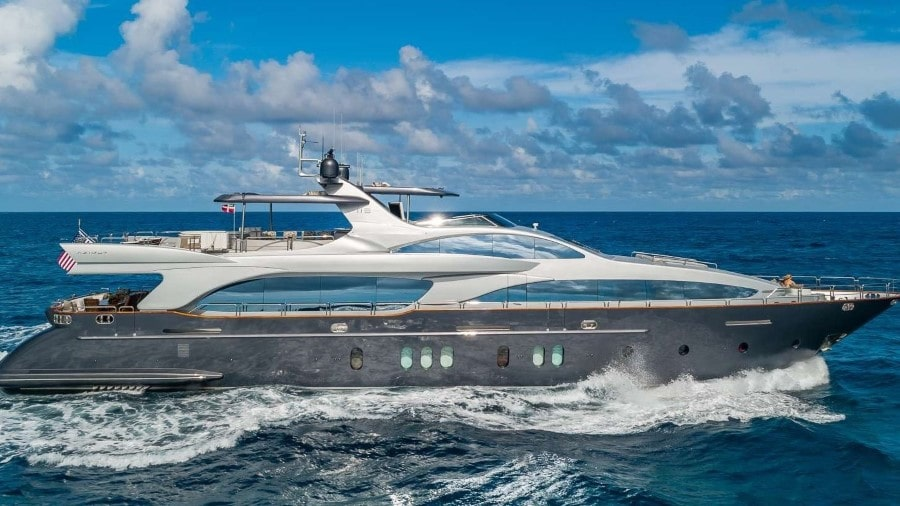 116 Azimut luxury Miami charter yacht