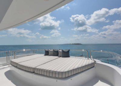 130 Westport yacht flybridge sunpads