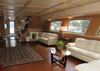 131 Swiftship yacht 1st deck open bar and lounge