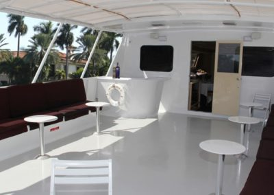 131 Swiftship yacht upper deck bar and lounge