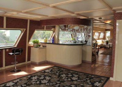 131 Swiftship yacht 1st deck bar and dancing floor