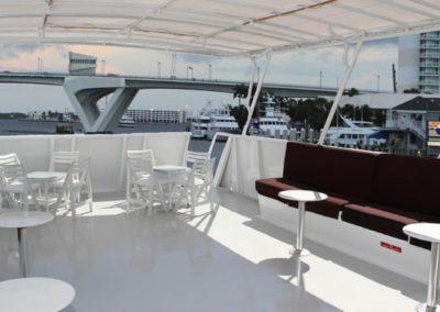 131 Swiftship yacht upper deck lounge